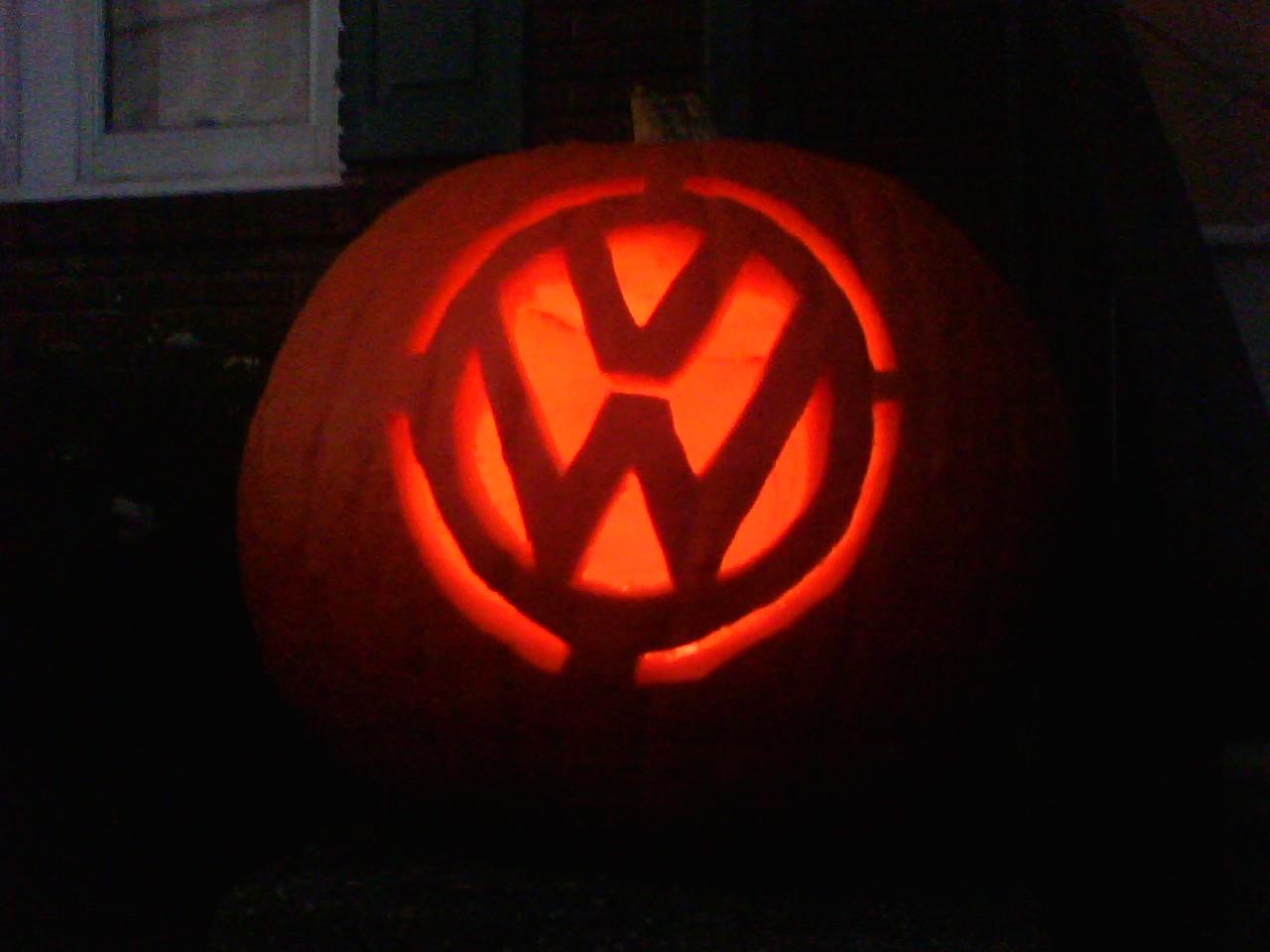 Halloween vw campervan pumpkin carving vw camper hire